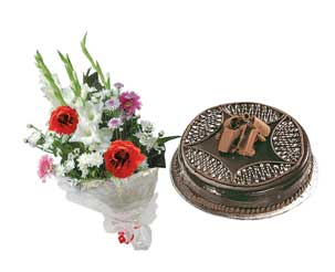 Send Flower Bouquet and Chocolate Cake to Pakistan