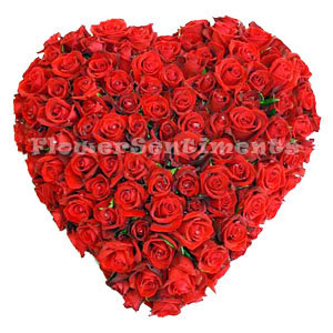 Send Heart shaped 10 Dozen Roses on Valentines Day  to Pakistan